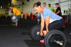 weights_lifting_power_female_gym_fitness_young_sport-706356.jpg!d